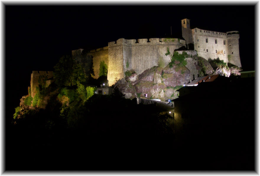 Bardi Castle at night - No. 1 by bisi