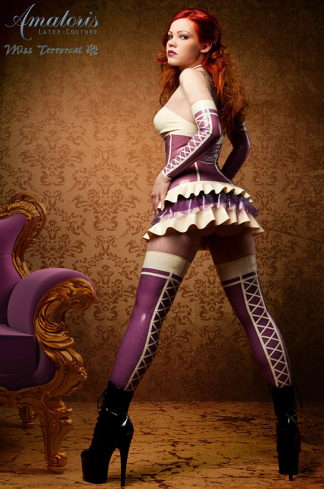 TerrorCat Latex-Outfit (Kl0009 back) by AmatorisLatexCouture