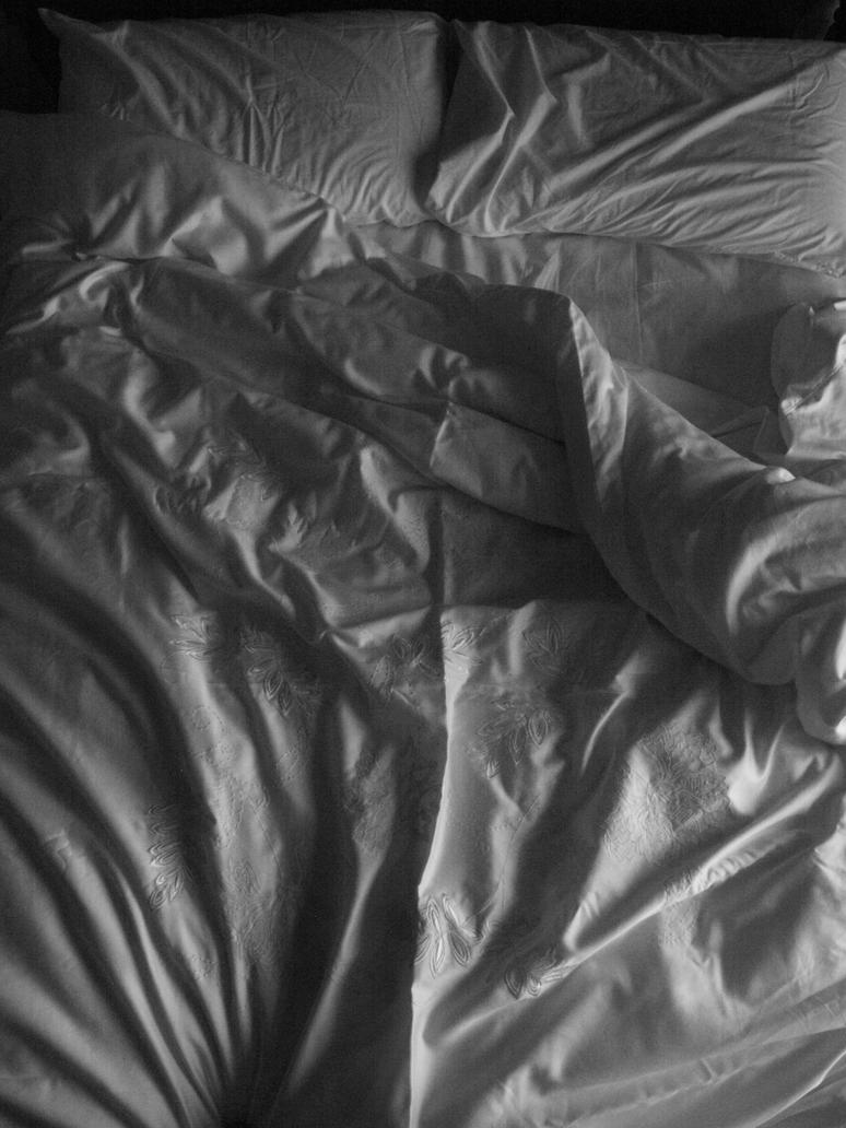 Black bed sheets tumblr - Unmade Bed Black And White