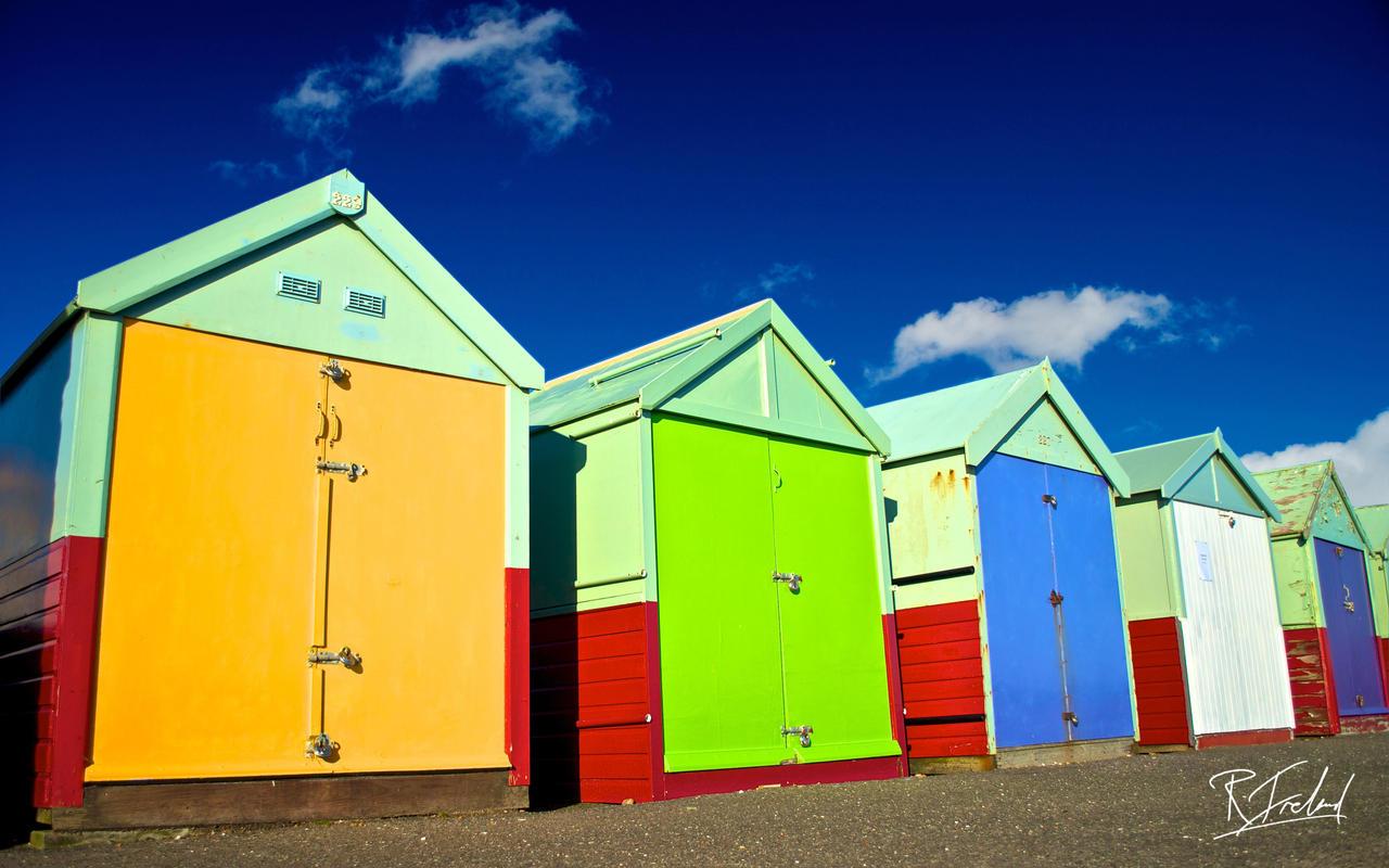 Brighton beach huts by richardsim7 on deviantart for Model beach huts