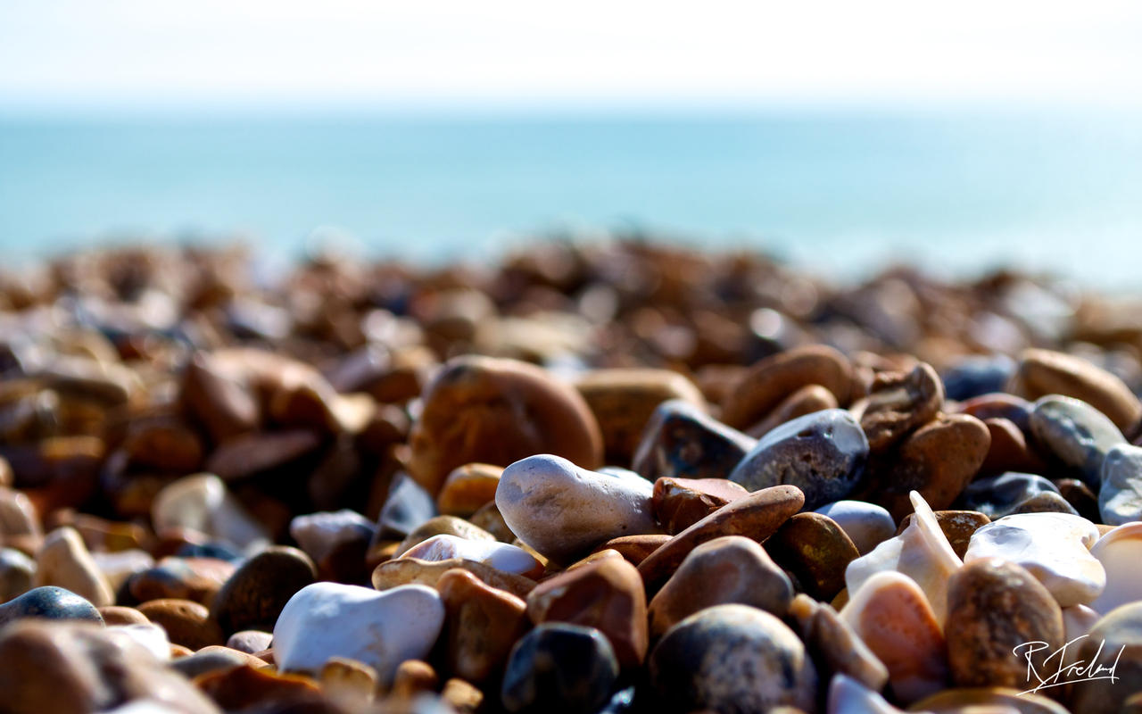 Brighton_Beach_Stones_by_richardsim7.jpg
