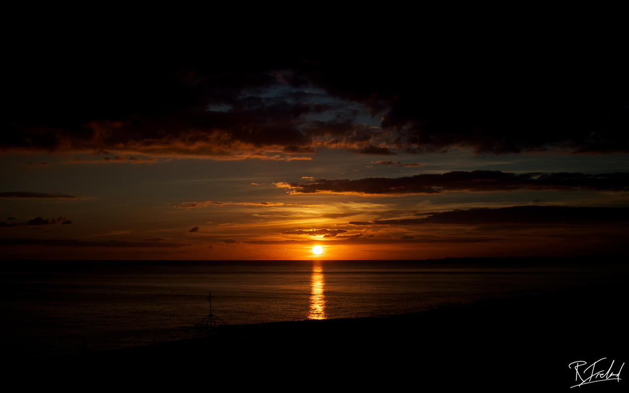 autumn_sunset_by_richardsim7-d3303g6.jpg