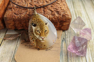 Leopard II  - hand painted agate pendant by LunarFerns