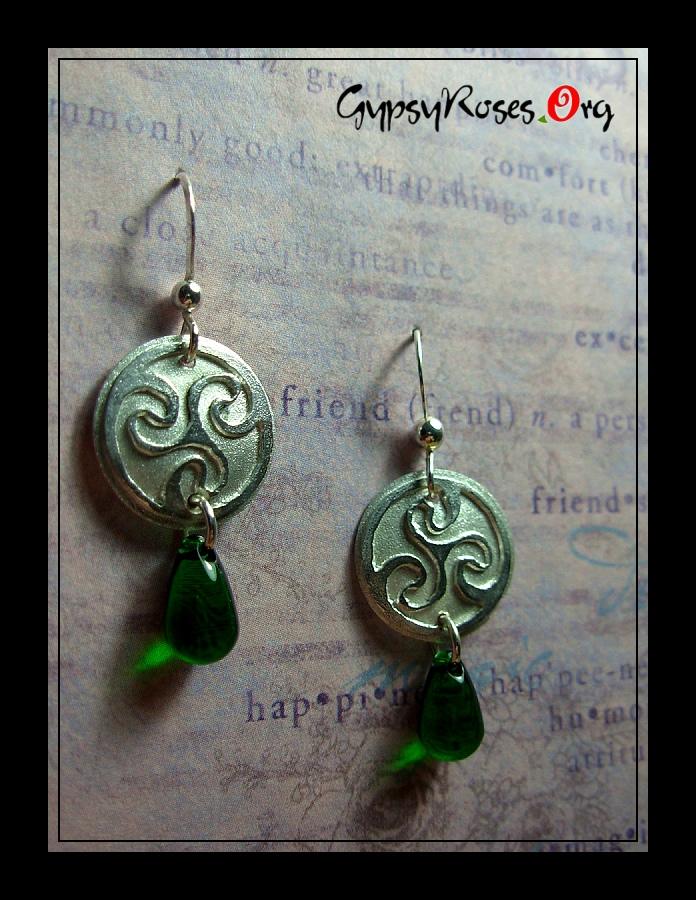 SS Triskel Earrings by che4u