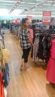 barefoot shopping