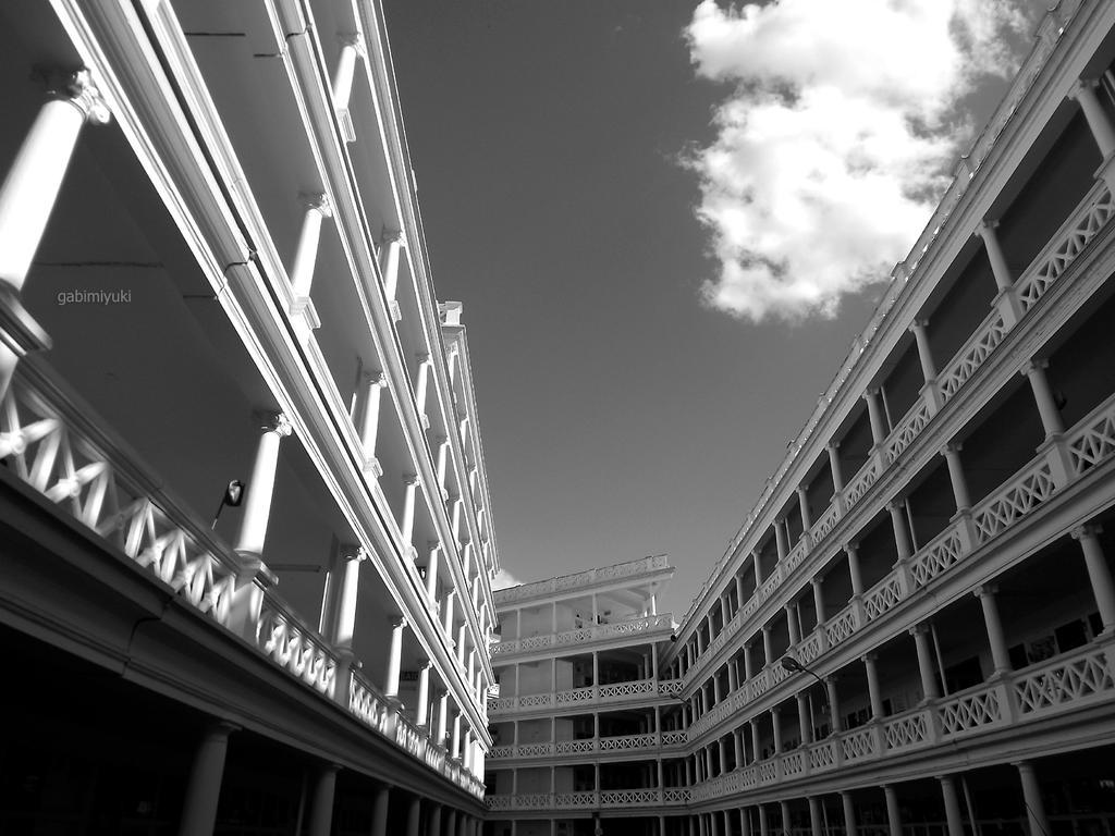 architecture and silence by GabiMiyuki