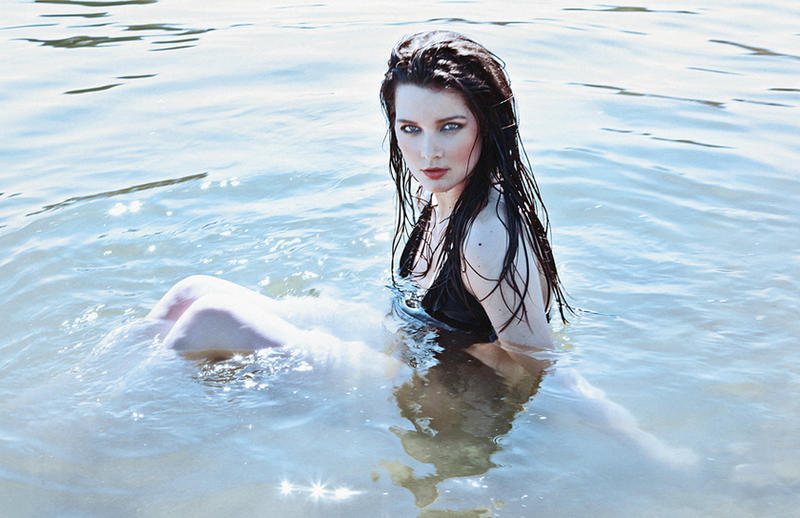 Pale Skin by AntonellaB