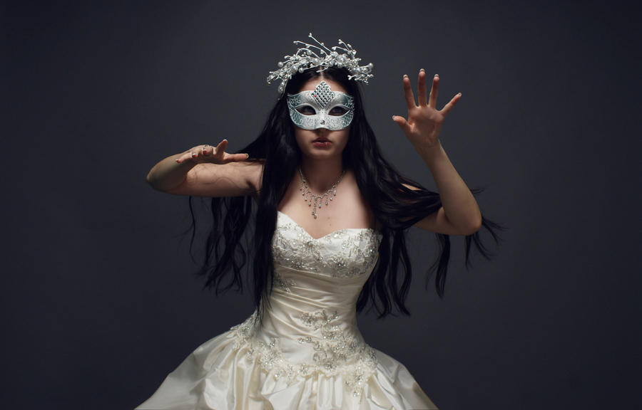 Anett Frozen Ice Queen by anettfrozen