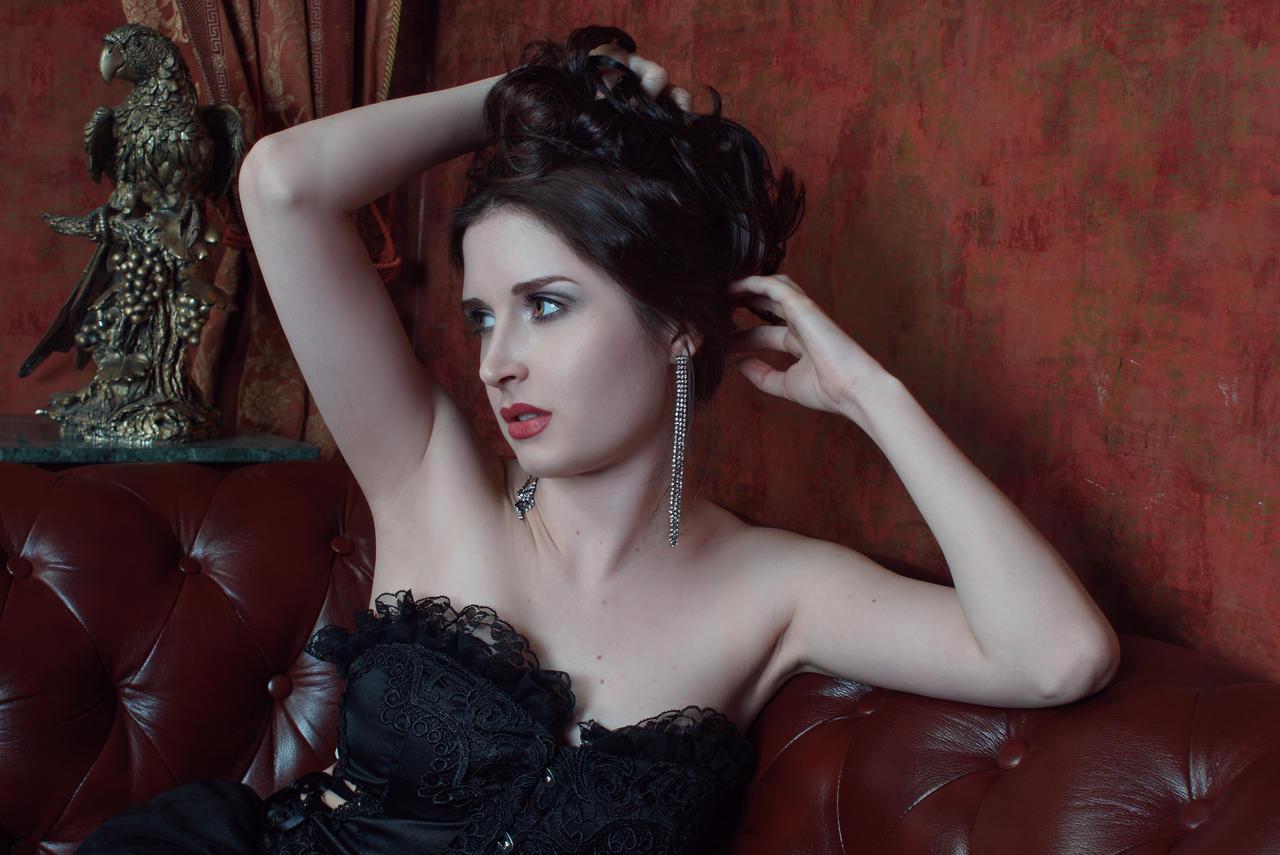Burlesque by anettfrozen