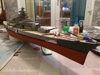 Revell 1/350 scale Bismarck WIP5