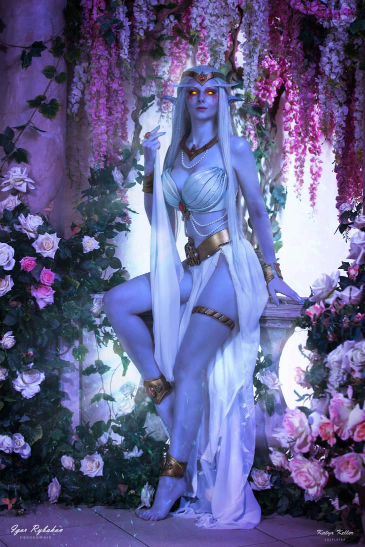 Queen Azshara cosplay by KatyaKeller