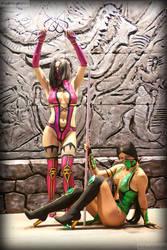Jade vs Mileena Mortal Kombat cosplay