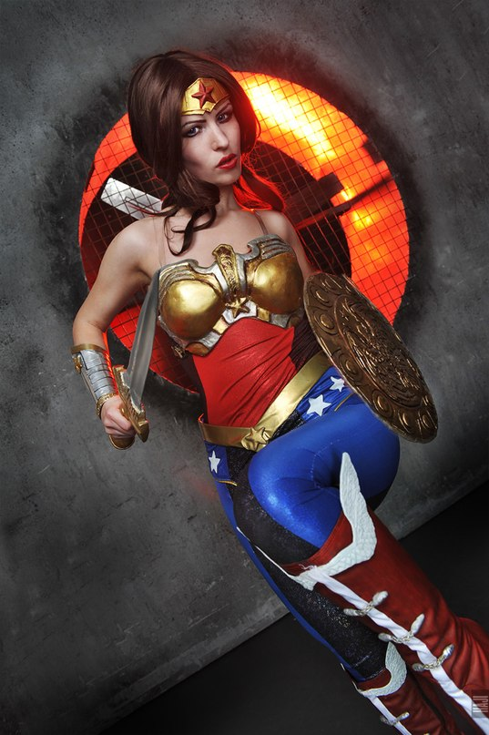 Injustice cosplay Wonder Woman by Nemu013