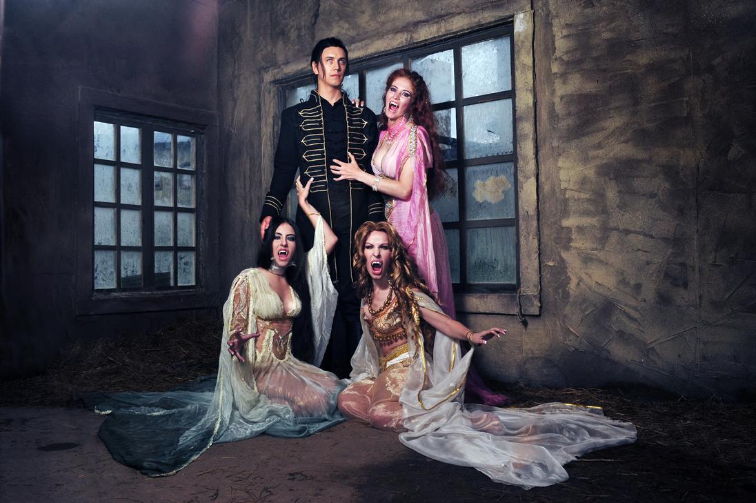 Dracula,Aleera,Marishka,Verona cosplay by Nemu013