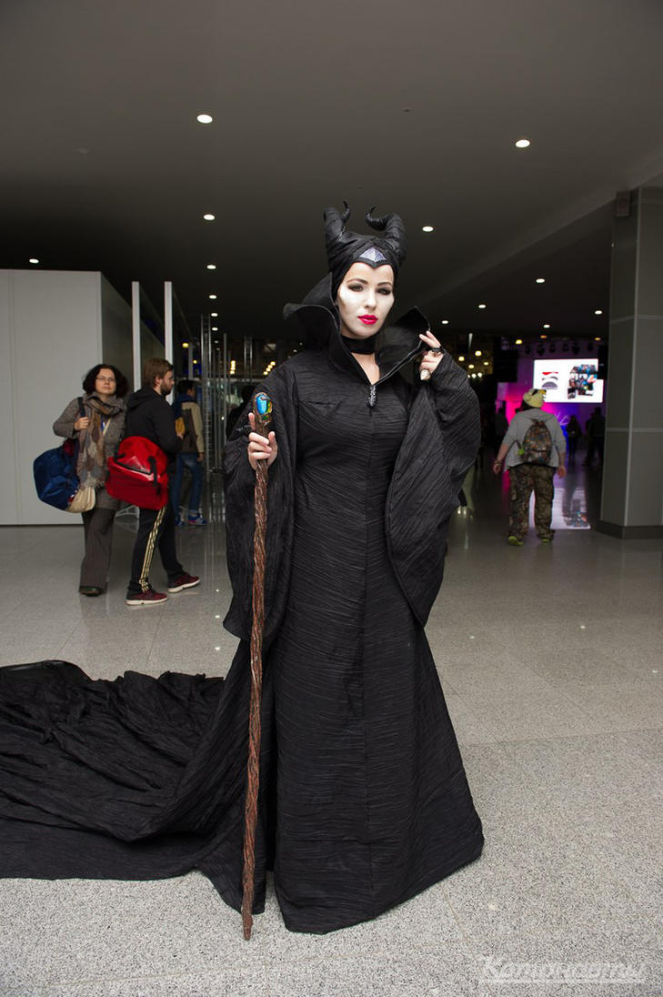 Maleficent cosplay. Igromir 2014 by Nemu013