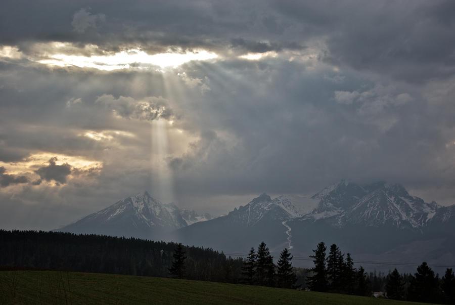 Rays of light by minko2312