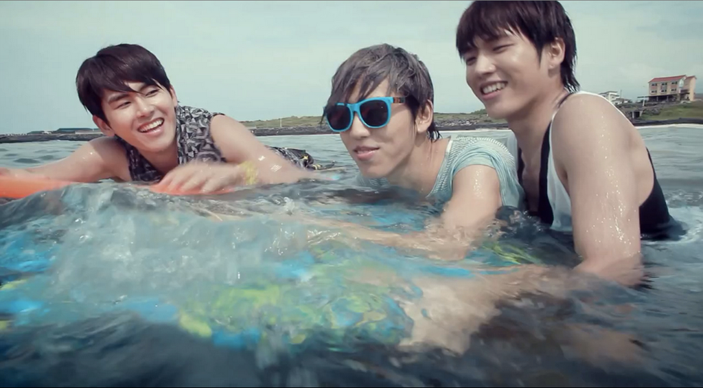 Hoya, Dongwoo and Me by NamWoo-Hyun