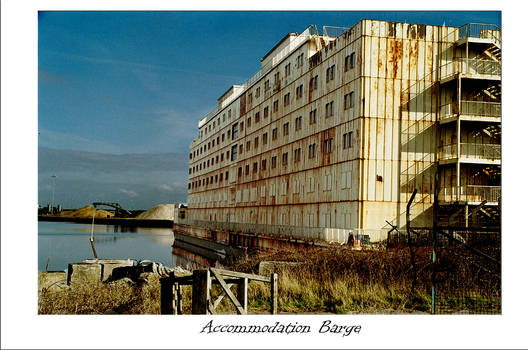 Accomodation barge