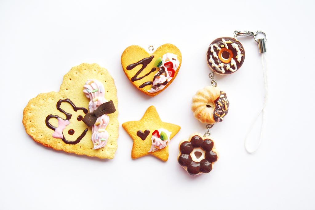 cookies and donuts by li-sa