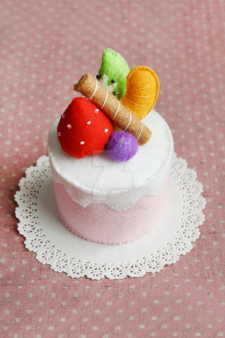 Pink Fruit Felt Cake by li-sa