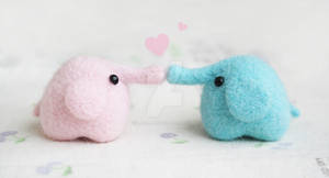 Loving Elephants by li-sa