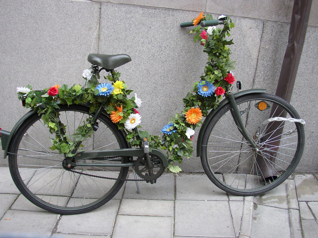The blossoming bike by Luddox