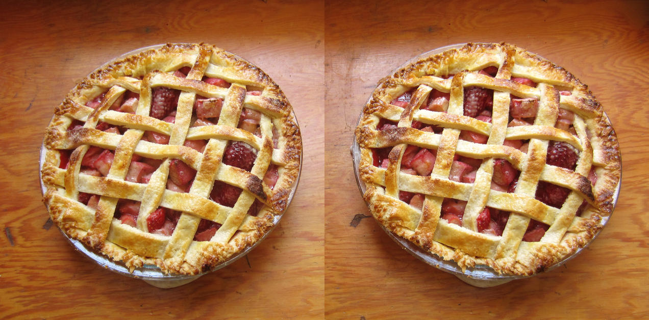 Stereograph - Strawberry Rhubarb Pie by alanbecker