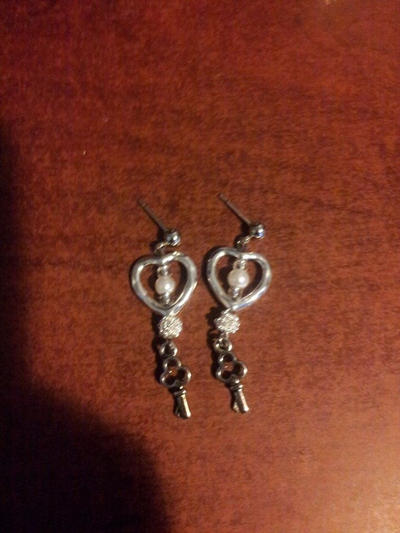 key to my heart earrings by Naituramin