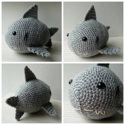 Crocheted shark by Sefi