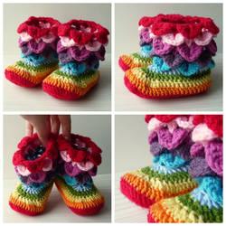 Crocheted crocodile rainbow scale baby boots by Sefi