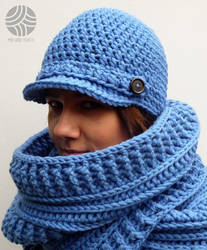 Crocheted blue cowl and hat by Sefi