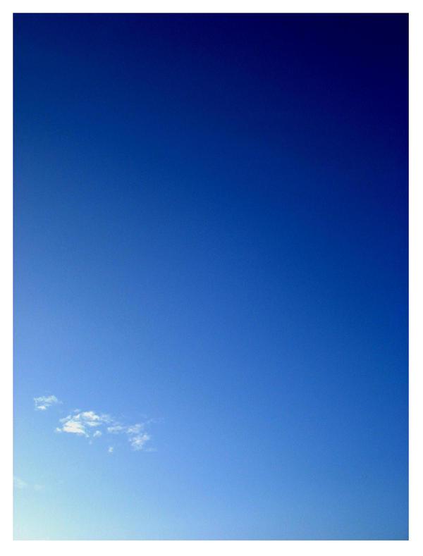 'ciel bleu' by herozero29