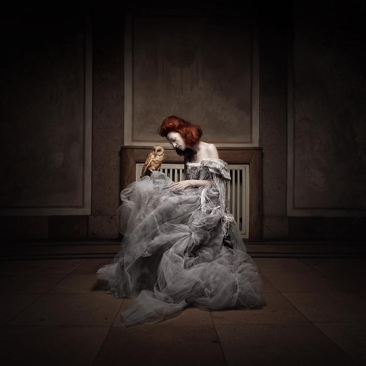 grey/white dress by KasiaKonieczka