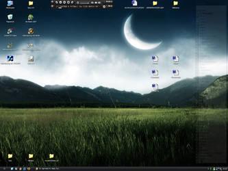 My little Desktop :D by tondowebmedia