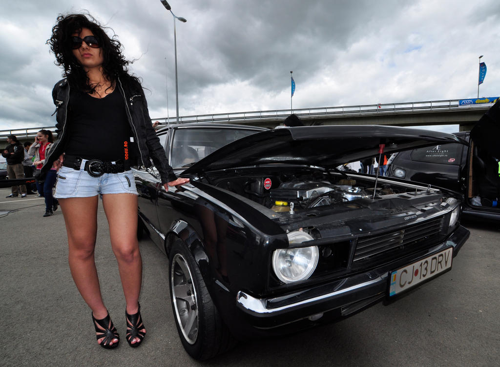 Poser Girl And Muscle Car By Yoman3d On DeviantArt
