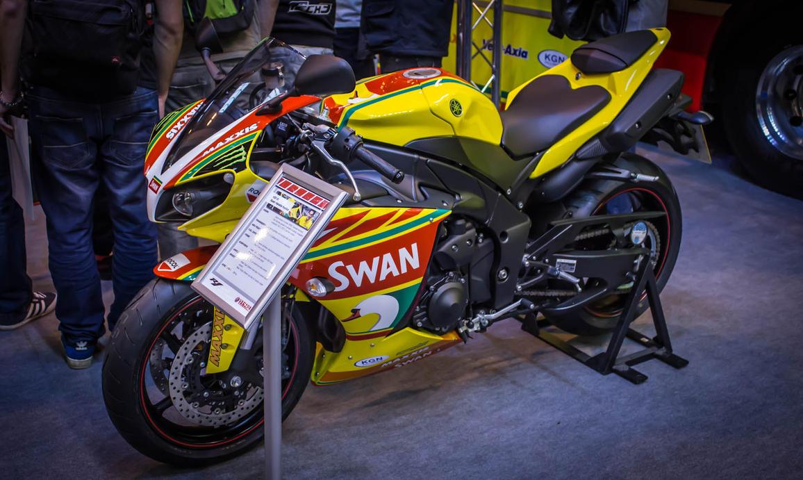 Yamaha R Th Annevrsery Tail Section