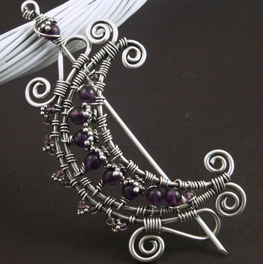 nakit -ukras ili umetnost - Page 3 Amethyst_Wire_Moon_Brooch_by_WiredElements