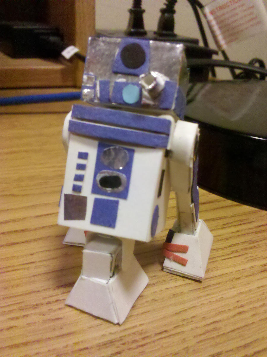 R2D2 Astromech Droid by BuildMyPaperHeart