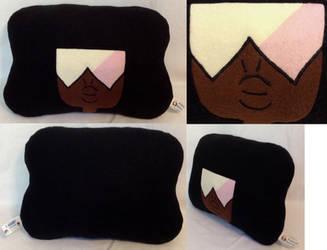 :SU: Garnet Pillow by MiharutheKunoichi