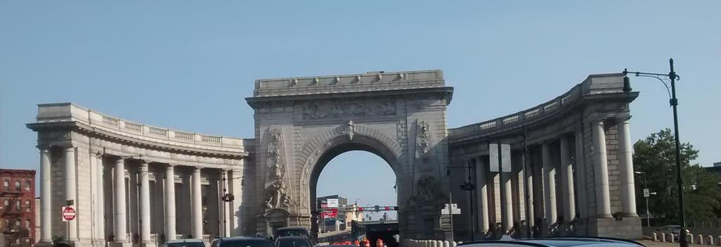 Manhattan Bridge Triumphal Arch by Aristodes