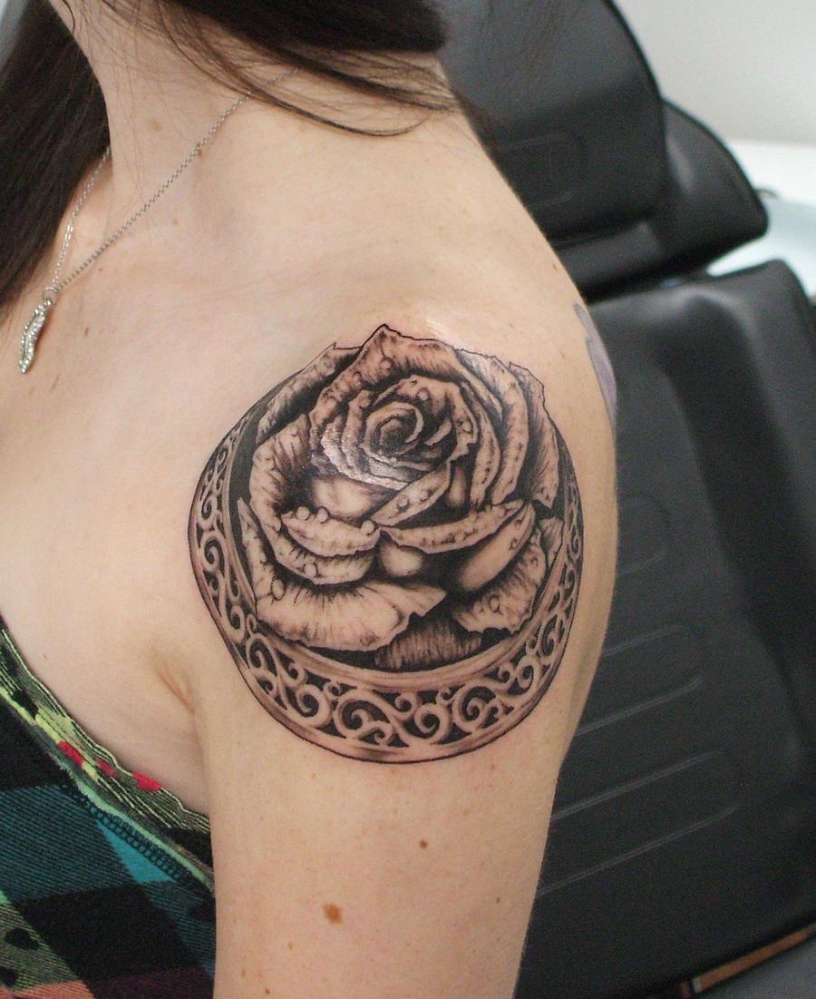 Shouldered rose 1