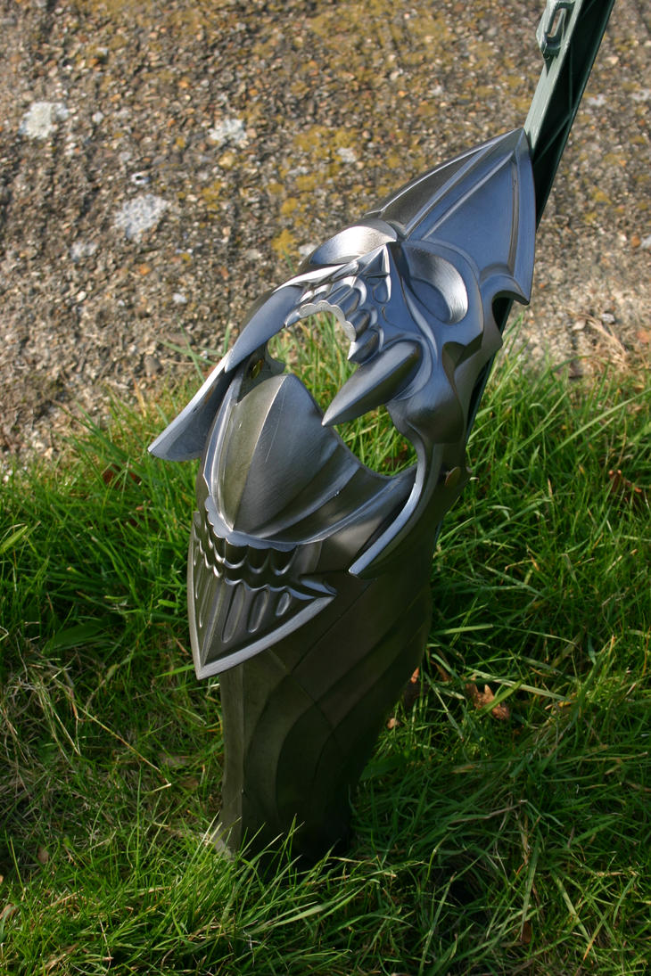 Black Knight leg armour side by DragonArmoury