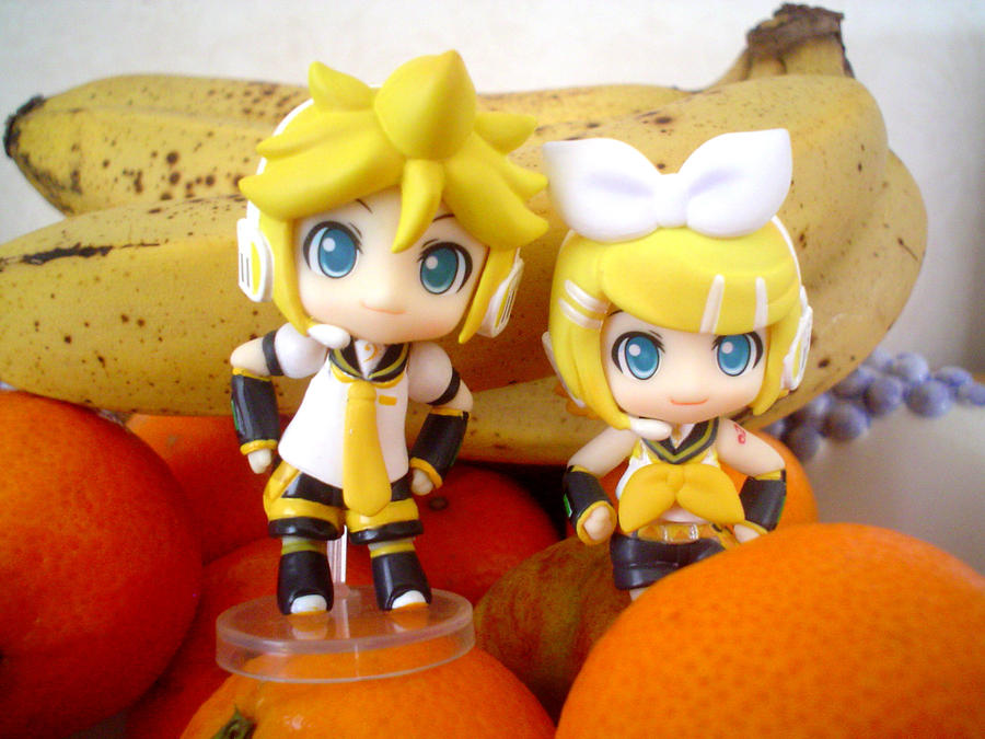 Rin and Len Puchi by jen-den1