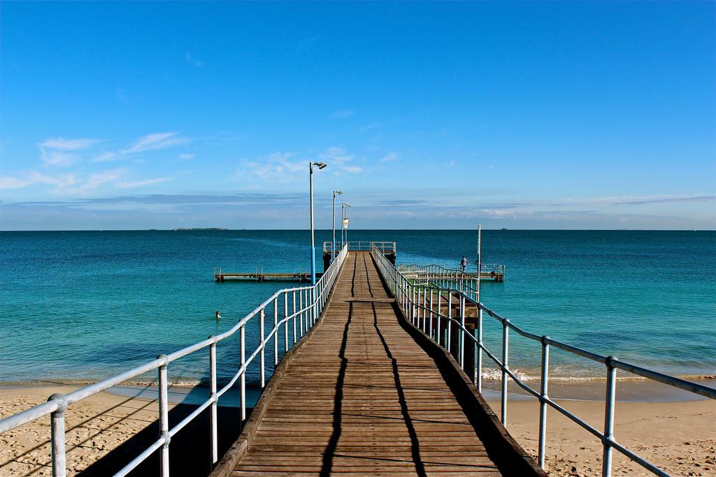 Coogee Beach Jetty by MissSpocks