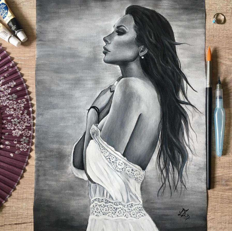 woman portrait by liptaizsofi