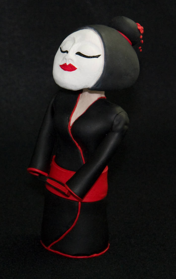 Bobble Headed Geisha Doll v2.0 by GeekyLogic