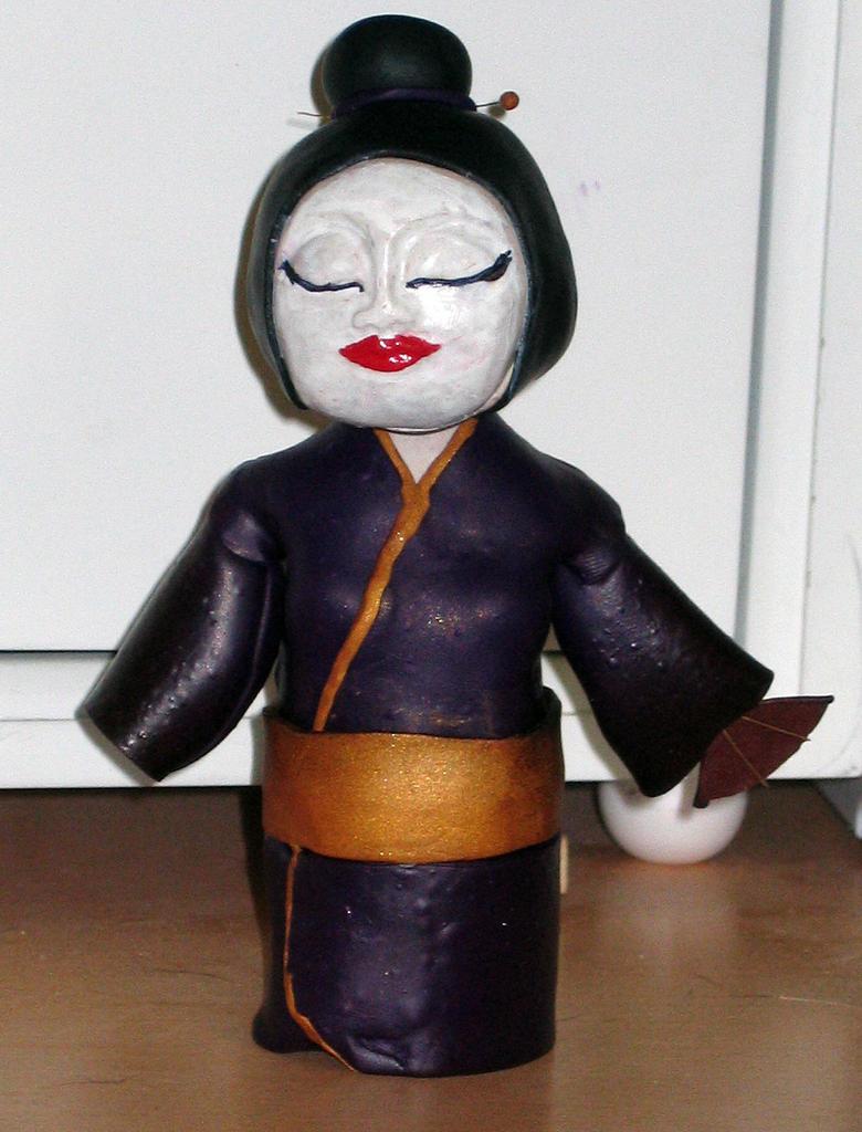 Bobble Head Geisha by GeekyLogic