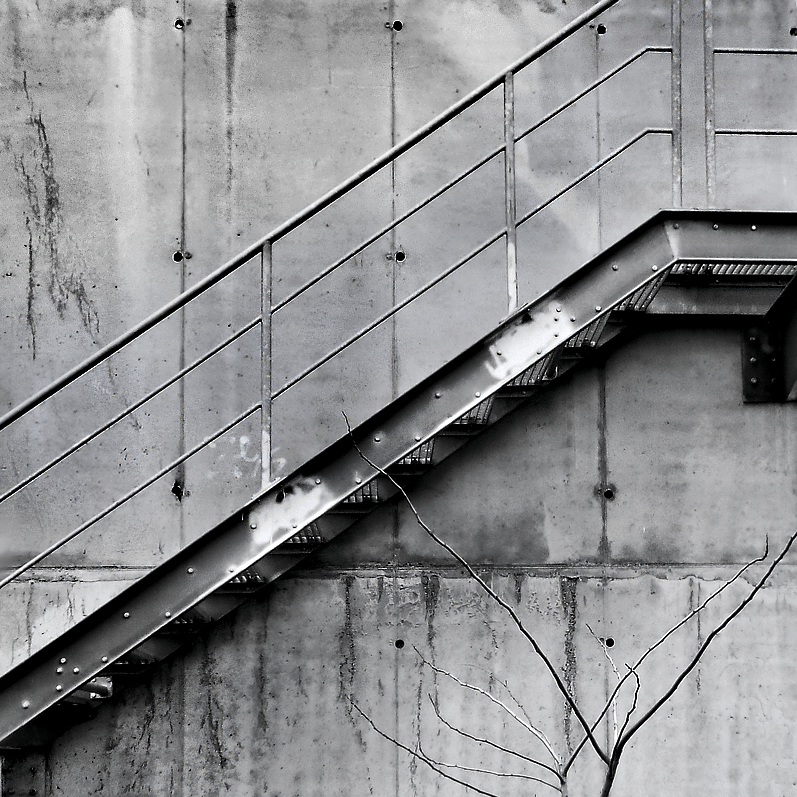 Up stairs by leoatelier