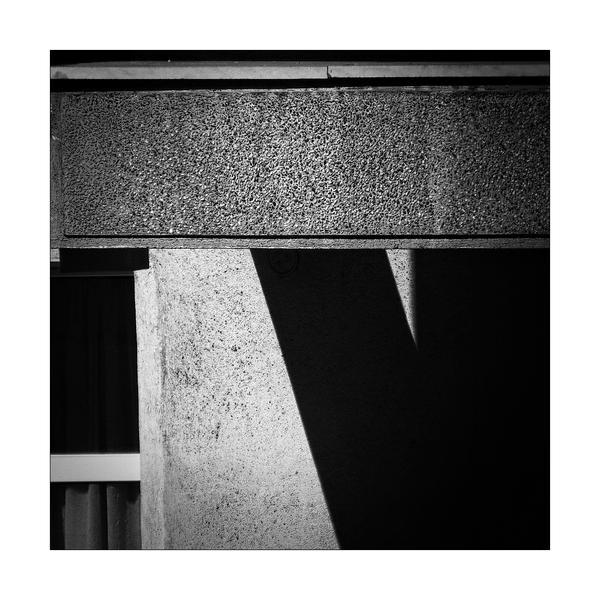 Minus by leoatelier