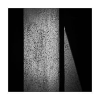 Signal by leoatelier